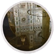 Reflections El Duomo The Florence Italy Cathedral Round Beach Towel