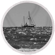 Sailboat In Black And White Round Beach Towel