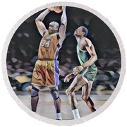 Shaquille O Neal Vs Bill Russell Abstract Art 1 Round Beach Towel