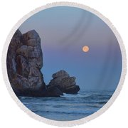 Snow Moon And Morro Rock Round Beach Towel