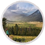 Sunset In The Rockies Round Beach Towel
