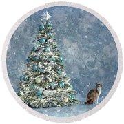 The Christmas Tree Cat Round Beach Towel