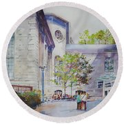 The Courtyard At Mass General Hospital Round Beach Towel