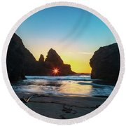 Through The Keyhole Round Beach Towel