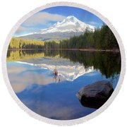 Trillium Lake November Morning Round Beach Towel
