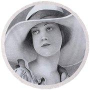 Vintage Woman In Brim Hat Round Beach Towel