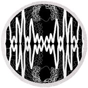 White And Black Frequency Mirror Round Beach Towel