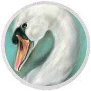 White Swan Portrait Round Beach Towel