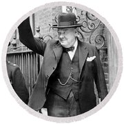 Winston Churchill Showing The V Sign Round Beach Towel
