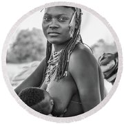 Zemba Mother And Child Round Beach Towel