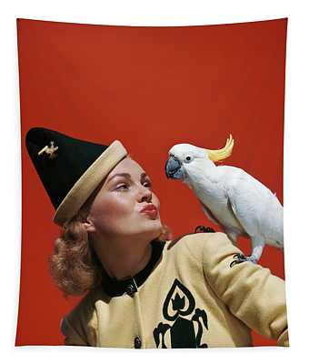 1940s Glamorous Blond Woman Talking Tapestry