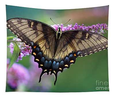 Eastern Tiger Swallowtail Butterfly On Butterfly Bush Tapestry