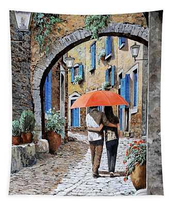 Abbracciati Sotto L'arco Tapestry
