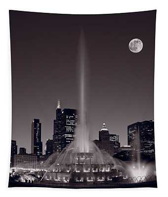 Buckingham Fountain Nightlight Chicago Bw Tapestry
