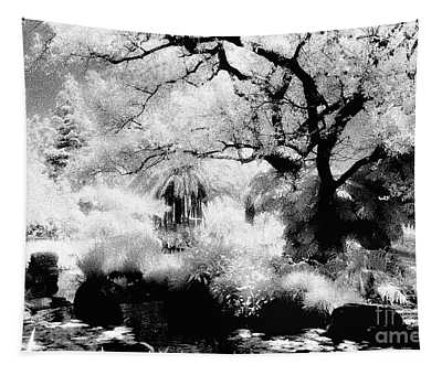 Dreamy Gardens - 1007 Tapestry