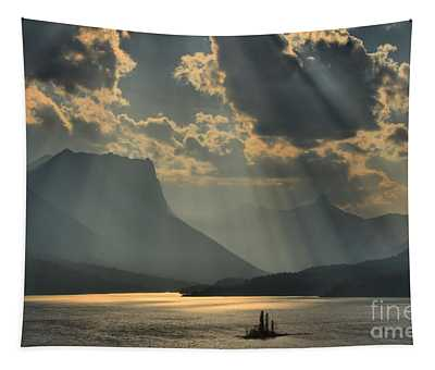 Heavenly Rays Tapestry