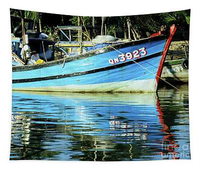 Hoi An Fishing Boat 01 Tapestry
