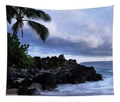 I Ke Kai Hawanawana Eia Kuu Lei Aloha - Paako Beach Maui Hawaii Tapestry