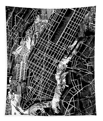 Manhattan Map Black And White Tapestry
