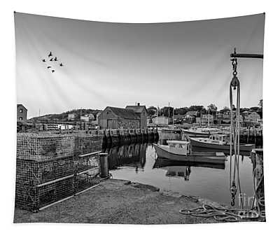 Motif Number One Sunrise Bw Tapestry