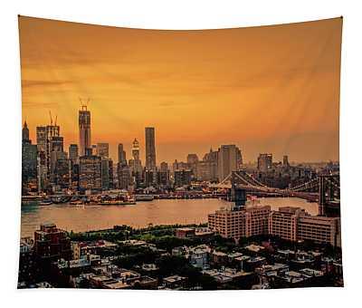 New York Sunset - Skylines Of Manhattan And Brooklyn Tapestry