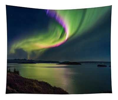 Northern Lights Over Thingvallavatn Or Tapestry