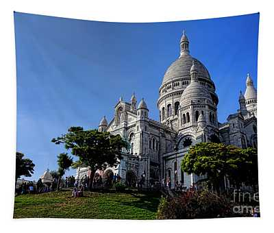 Sacre Coeur On Butte Montmartre Tapestry
