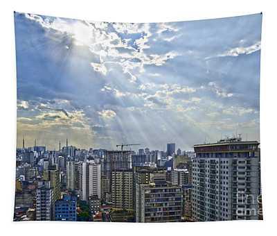 Sao Paulo - Raios Divinos Sobre O Paliteiro Tapestry