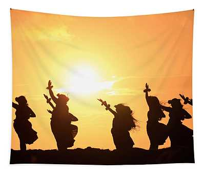 Silhouette Of Hula Dancers At Sunrise Tapestry
