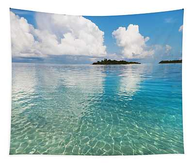 Sunny Invitation For  You. Maldives Tapestry
