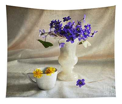 Welcome Spring Tapestry