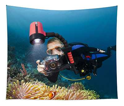 Diver And Anenome Fish Tapestry