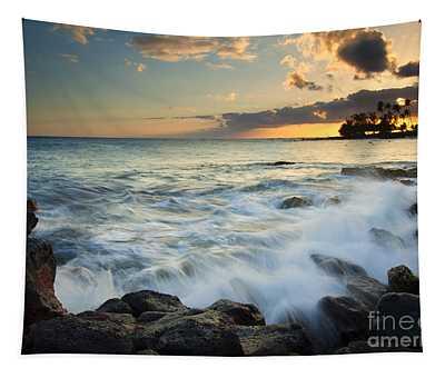 Paradise Waves Crashing Tapestry