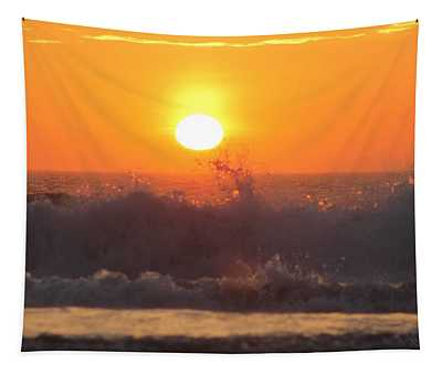 A Splash At Sunrise Tapestry