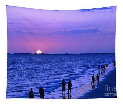 Blue Sunset On The Gulf Of Mexico At Fort Myers Beach In Florida Tapestry