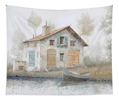 Casa Pallida Nella Nebbia Tapestry