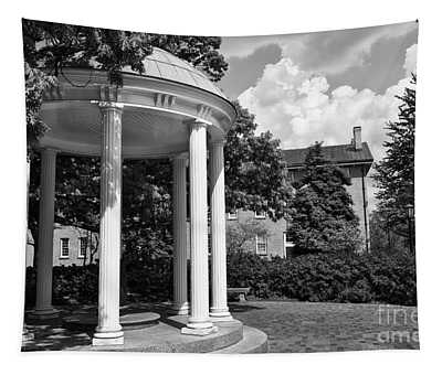 Chapel Hill Old Well In Black And White Tapestry
