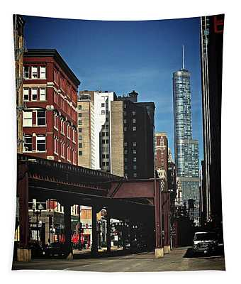 Chicago L Between The Walls Tapestry