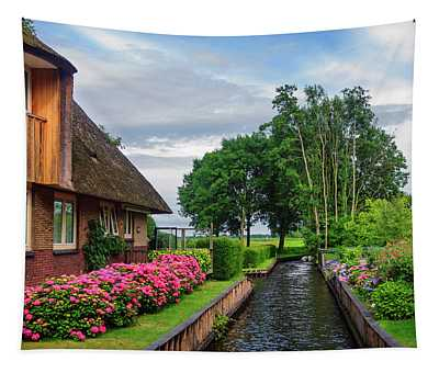 Cottage At Canal In Giethoorn. The Netherlands Tapestry