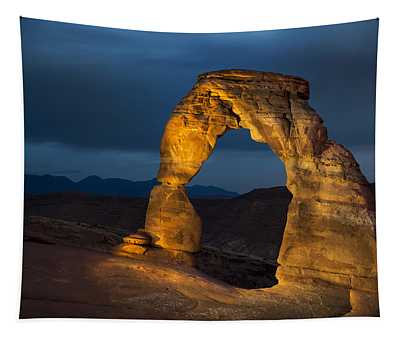 Delicate Arch At Night Tapestry