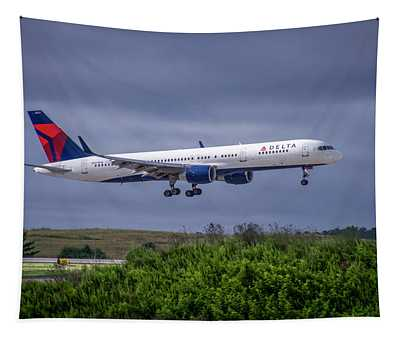 Delta Air Lines 757 Airplane N557nw Art Tapestry