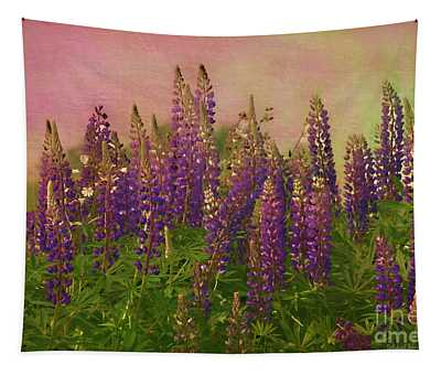 Dreamy Lupin Tapestry