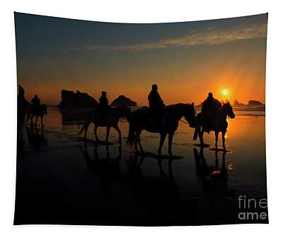Face Rock Sunset Ride Tapestry