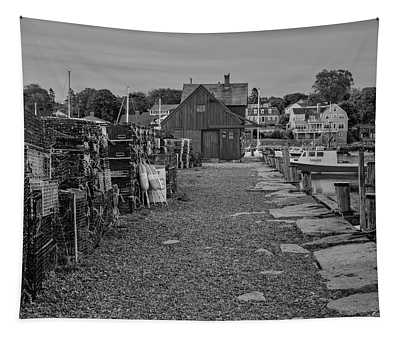 First Light At Motif Number One Bw Tapestry