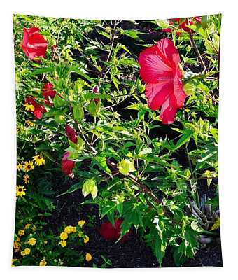Flowers Of Bethany Beach - Hibiscus And Black-eyed Susams Tapestry