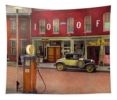 Gas Station - Lazy Saturday's 1935 Tapestry