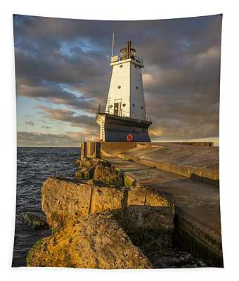 Ludington North Breakwater Lighthouse At Sunrise Tapestry