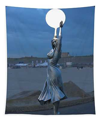 Modernist Lamppost At Night Tapestry