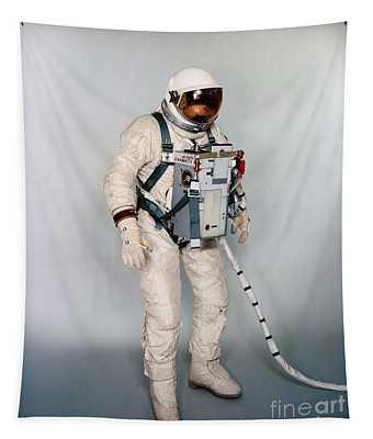 Space Man Nasa Suited Test Subject Equipped With Gemini 12 Life Support System And Waist Tethers Tapestry