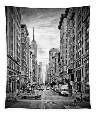 New York City 5th Avenue - Monochrome Tapestry